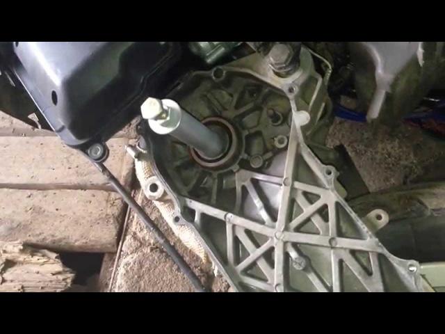 Как поменять сальник на скутере Yamaha/Stels 50