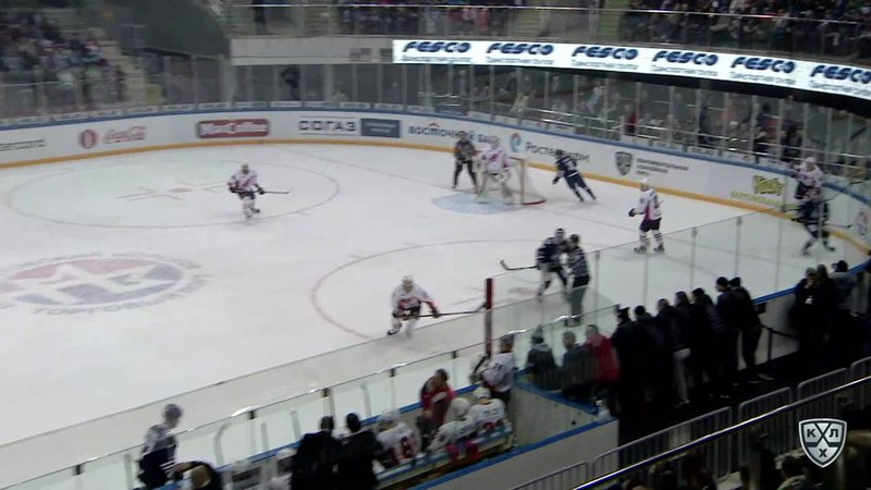 Моменты из матчей КХЛ сезона 17/18 • Удаление. Блум Джонатон (Адмирал) удален на 2 минуты за удар клюшкой 28.02