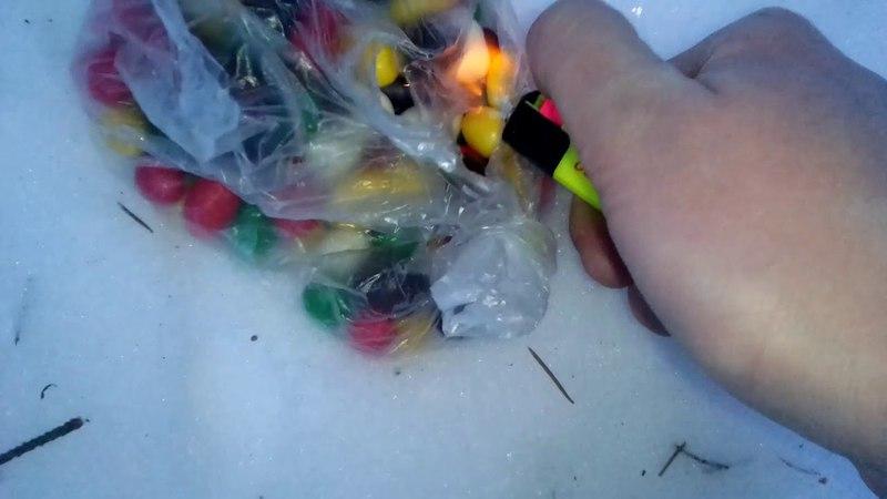 взрываю конфеты петардой корсар 3