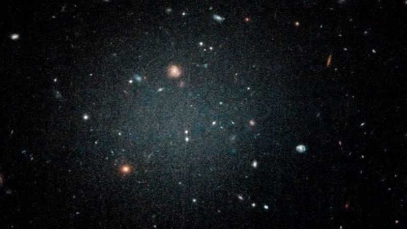 NGC 1052-DF2 – галактика, сокрушающая теорию о темной материи
