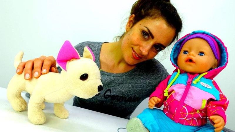 Neue Kleider für Baby Emily. Video mit Puppen.