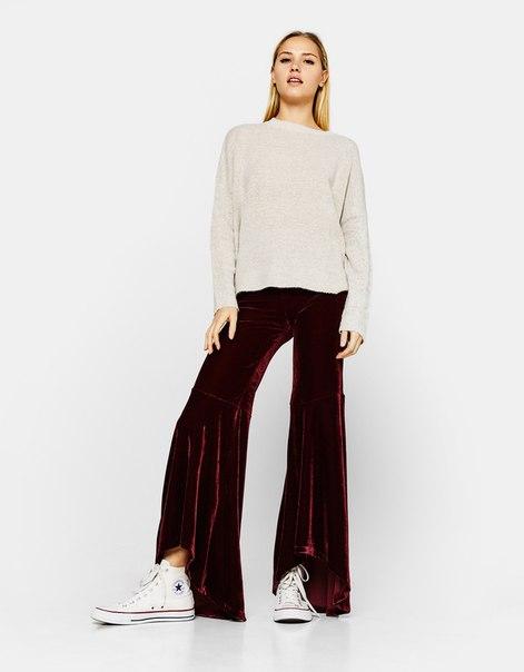 Расклешенные брюки из бархата
