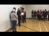 Кэтрин вручает письмо сотрудникам Rugby Portobello Trust, 12.12.2017