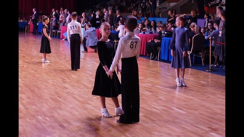 Танцуют в категории Дети 2 Латина (открытый класс) Захаров Степан и Крапивина Арина пара № 87