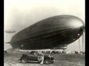 Дирижабль гигант Граф Цеппелин в небе над Москвой 1930