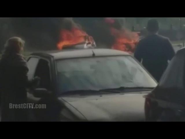 На погранпереходе Брест-Тересполь загорелось два автомобиля