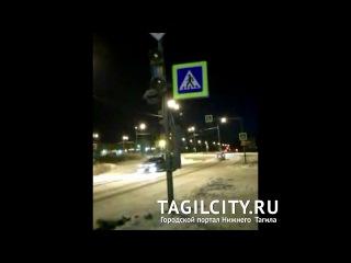 Вандализм или ДТП? Новый светофор сломан в Нижнем Тагиле на ГГМ