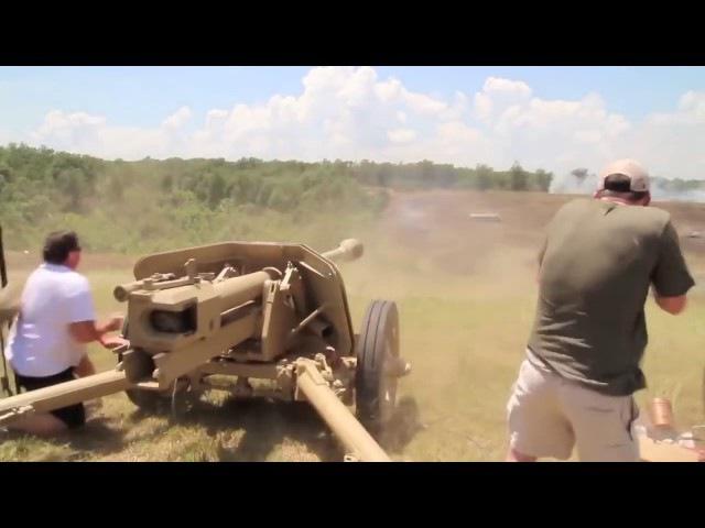 Стрельба из PAK 40 - Германская 75-мм противотанковая пушка периода Второй мировой войны