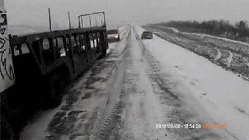 Водитель!🚗 Будь внимателен на дороге.