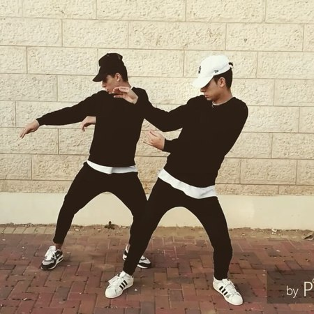 "Nick on Instagram ""When Twins got unlimitedmoves ☺😼 w@rimbergmax 💀 showyourmoves justinbieber @Tmobile . ||TAG YOUR FRIENDS||"""