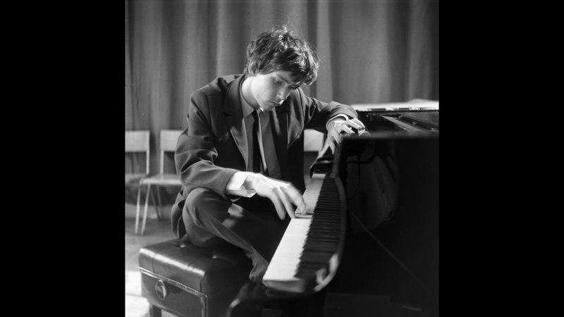 In memory of Zoltan Kocsis -- Bach Keyboard Concerto no. 5, BWV 1056