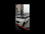 Водитель Infiniti не пропустил два пожарных автомобиля и скорую в московском дворе