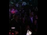 2017 Бейонсе и Шон смотрит выступление Стиви Уандера на благотворительном концерте TIDAL X.