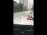Затопило город? Используй ситуацию для развлечения!