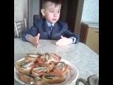Маленький мальчик о школе