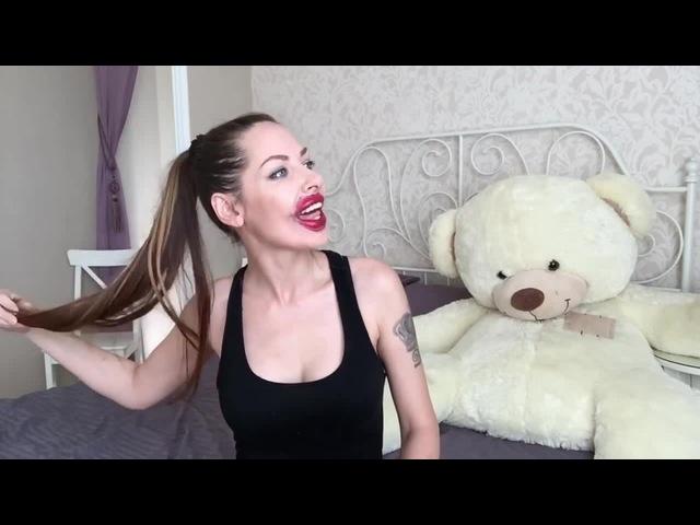 Как сделать губы более объемными как у Анджелины Джоли