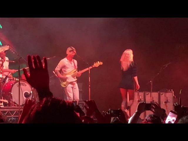 Paramore - ain't it fun (Sydney 2018)