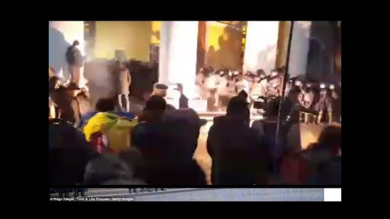 Штурм и столкновения возле Жовтневого Палаца Во дворце дети Семенченко просит л