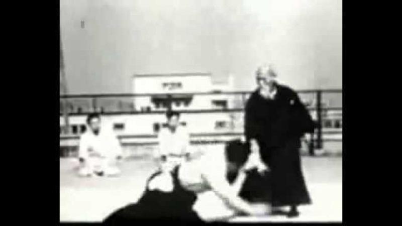 Morihei Ueshiba - Aikido demonstration
