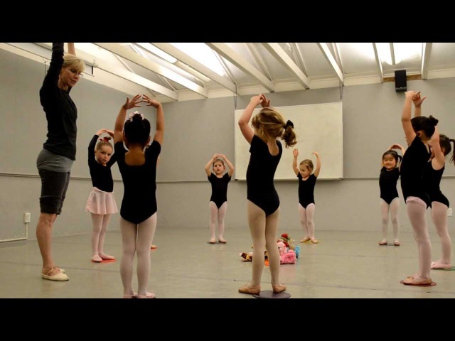 Pre Ballet class at Shadelands Art Center, Walnut Creek