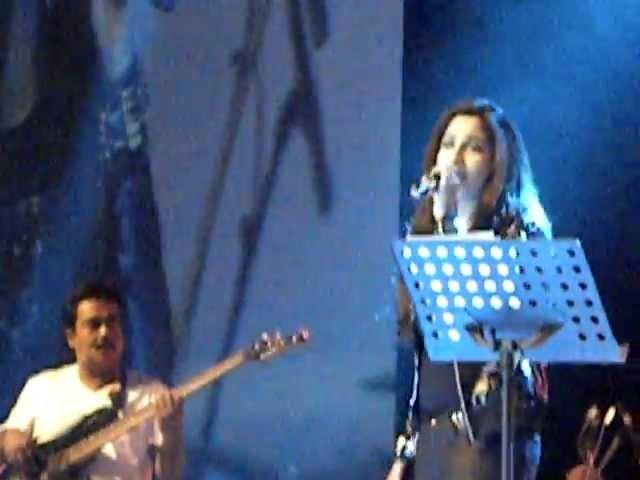 Nuvvem Maya Chesavo gaani - Shreya Ghoshal Live