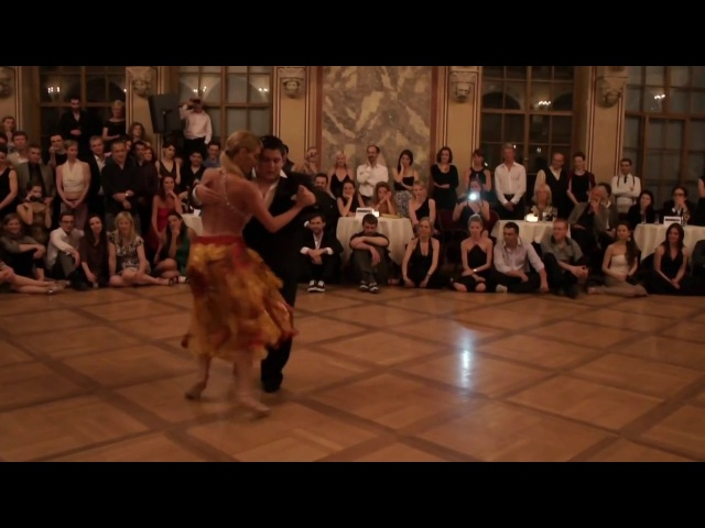 Ловкач Танцует Танго