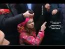 Министры-капиталисты в Волоколамске: Девочка раскачивает яхту правящего класса.