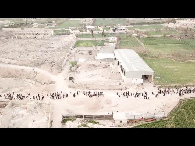 Впечатляющие кадры Тысячи людей покидают оккупированную бандами Восточную Гуту