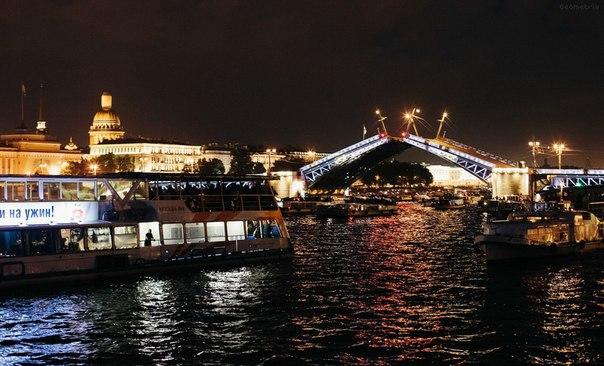 выдается любом ночная экскурсия по санкт петербургу мосты нового