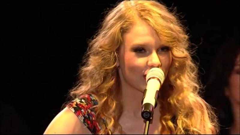 Taylor Swift - You Belong With Me (Live at BBC Radio 2's Abbey Roads 2011)