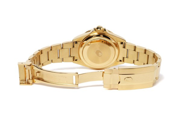 BAPE Drops New Versions of BAPEX Type 1 Watch to Cap off 201716.12
