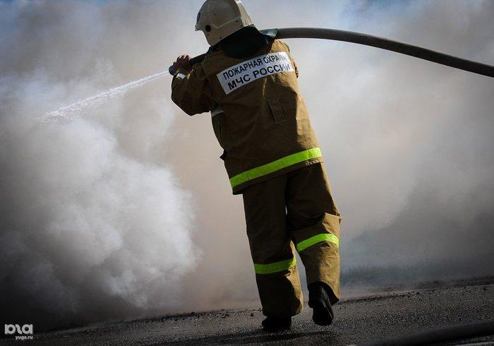 В центре Мурманска ночью сгорел автомобиль