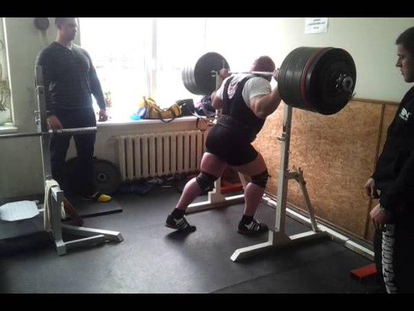 Видас Блекайтис 470 кг присед в экипе подготовка к Титанам 2013!