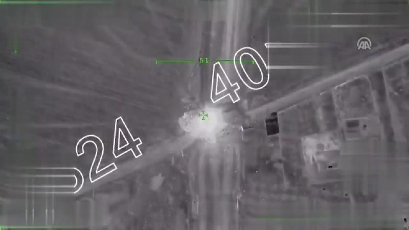 Генштаб Турции распространил видео уничтожения бульдозера террористов