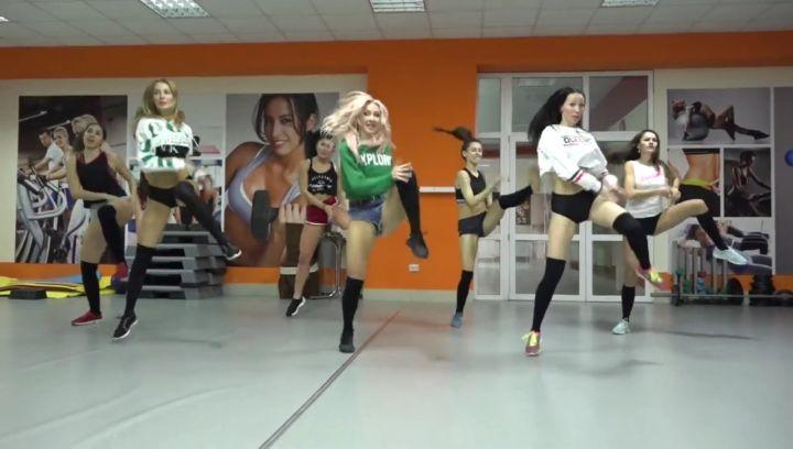"""🔥Тренер по танцам🔥 on Instagram: """"После трень еще остаются силы продолжать......танцы дают второе дыхание 😇😇😇 танцы с @reginafazulianova @tamarad..."""