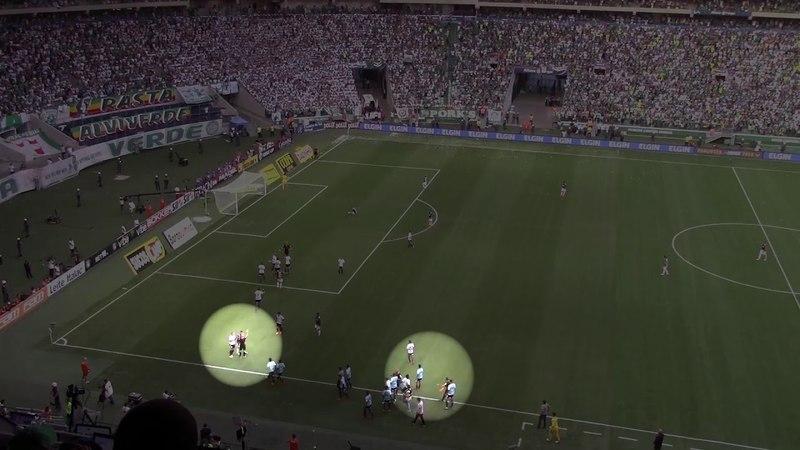 BOMBA! 💣 Veja momento em que árbitro anula pênalti marcado para o Palmeiras