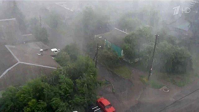 ВКурске после сильного дождя оказались практически полностью затоплены несколько районов. Новости. Первый канал