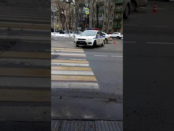 Пьяный водитель устроил ДТП и скрылся в Москве ул. Лётчика Бабушкина