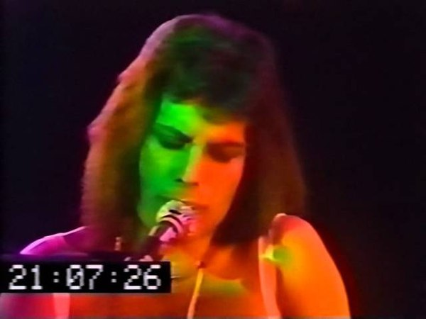 Queen - You Take My Breath Away (London 1976)
