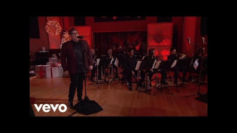 Jordan Smith - Santa Claus Is Coming To Town ('Tis The Season Live)