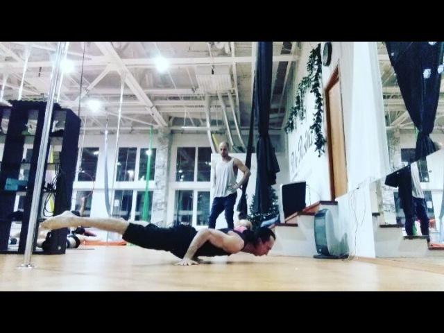 """Slan SilverBullet on Instagram: """"• Тренировка безопорного крокодила • @pole_positions_moscow Добро пожаловать в POLE COLLEGE с кучей инфы и возможн..."""
