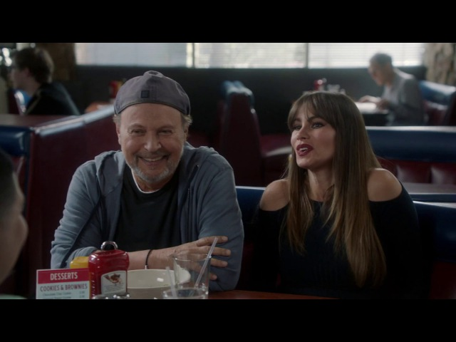 Billy Crystal - Modern Family