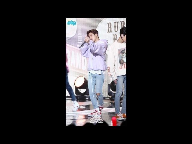 [예능연구소 직캠] 아이콘 고무줄다리기 비아이 Focused @쇼!음악중심_20180317 RUBBER BAND iKON B.I
