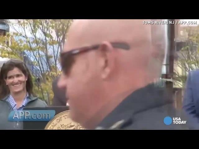 Gov. Christie tells heckler to 'sit down and shut up'