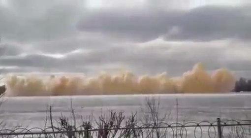 На Иртыше взрывная волна выбила стекла в многоэтажке