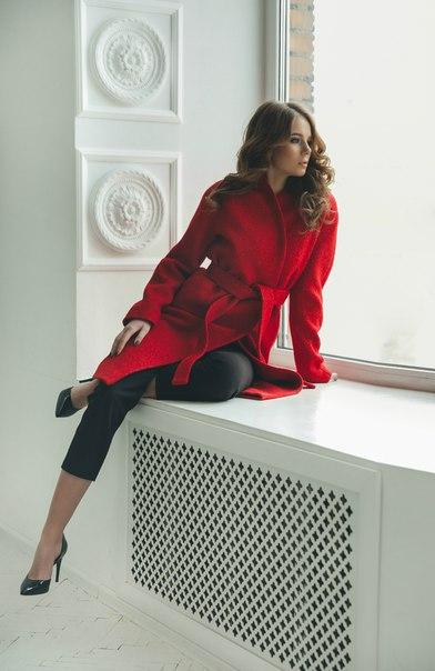 Виктория Меккер, модель