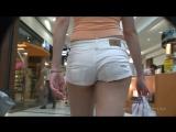 Подсматриваем за девушками, охота за аппетитными попками (подглядывание, spying, трусики, красивые задницы, обтягивающие джинсы)