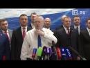 Жириновский в День святого валентина выступил против долгих поцелуев в грязный рот