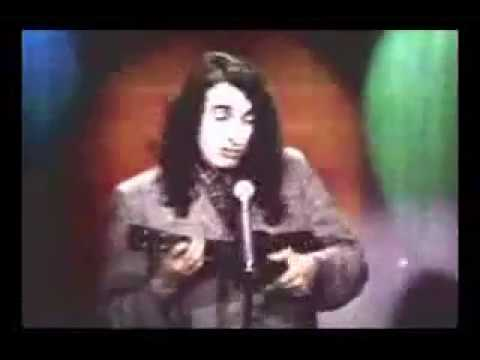 Tiny Tim sings Livin' In The Sunlight, Lovin' In The Moonlight on The Tonight Show in 1968
