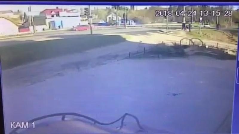 Авария В Брянске на Калинина с другой камеры